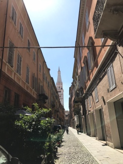 Wandering the streets of Modena